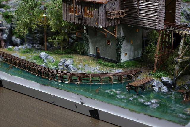 KATOディープウォーターシリーズ(Woodland Scenics)を使った水景制作