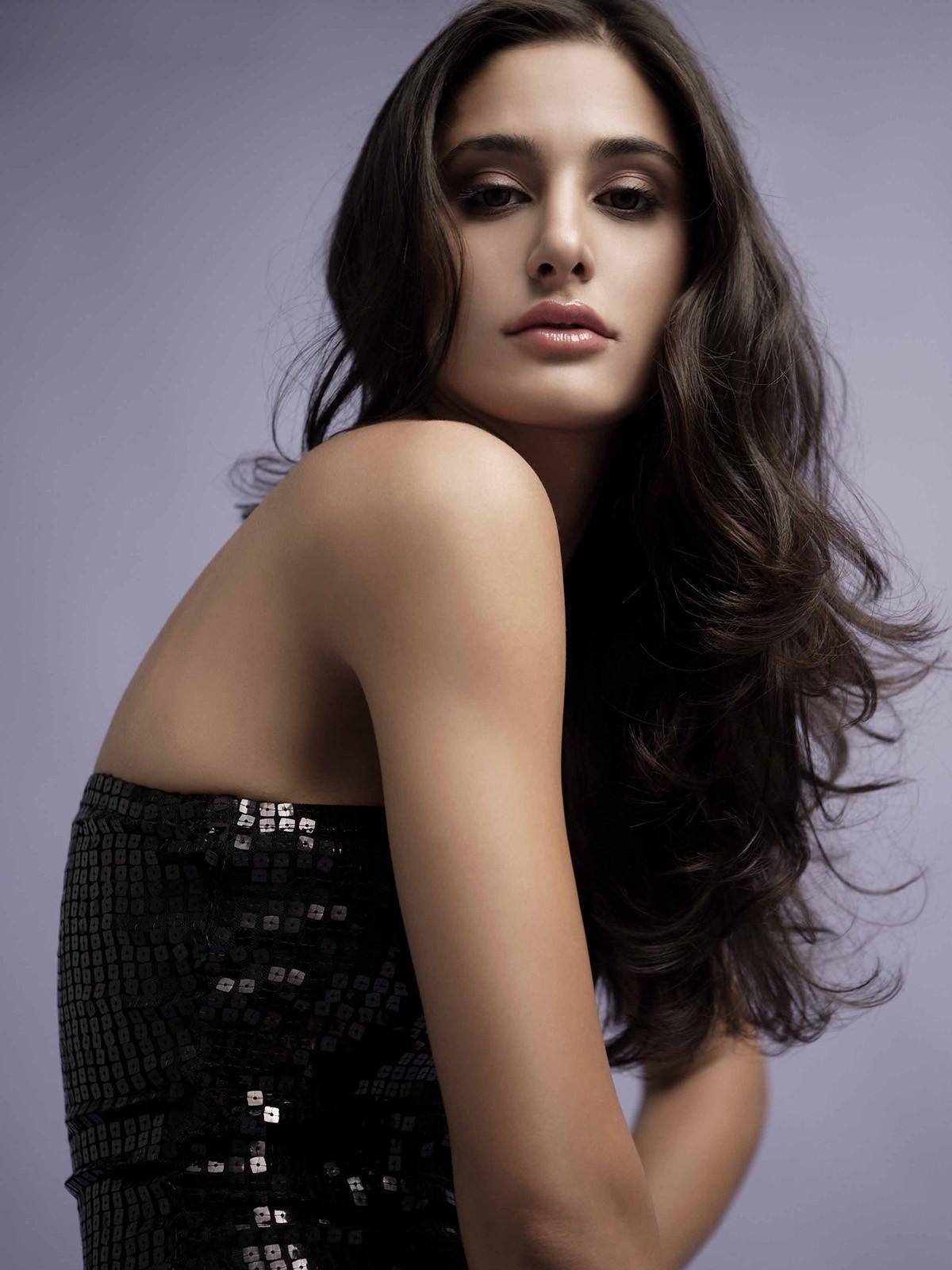 Nargis Fakhri Hot Photos In Black Dress - Actress Album