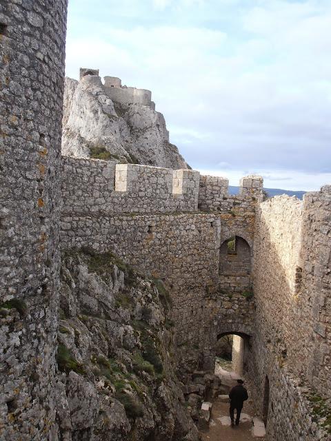Castillo de Peyrepertuse (Château de Peyrepertuse)
