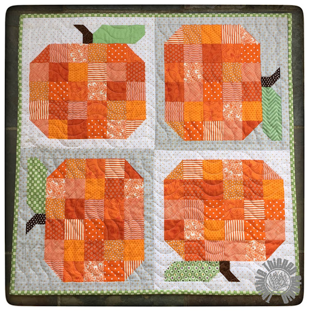 Pumpkin Quilt by Thistle Thicket Studio featuring Lori Holt's pumpkin block. www.thistlethicketstudio.com