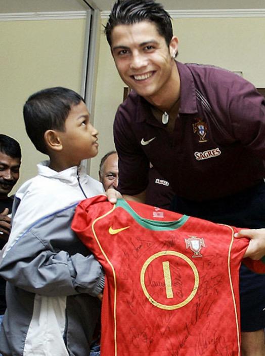 Anak Angkat Christiano Ronaldo Baca Ayat Suci Al-Quran