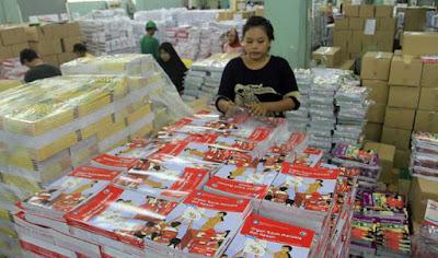 Pemerintah diminta tak ikut produksi buku sekolah