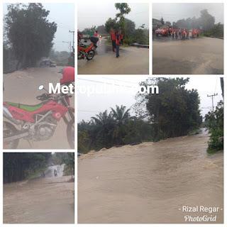 Waspada! Banjir Jalan Tuan Rondahaim Siantar Tidak Bisa di Lalui