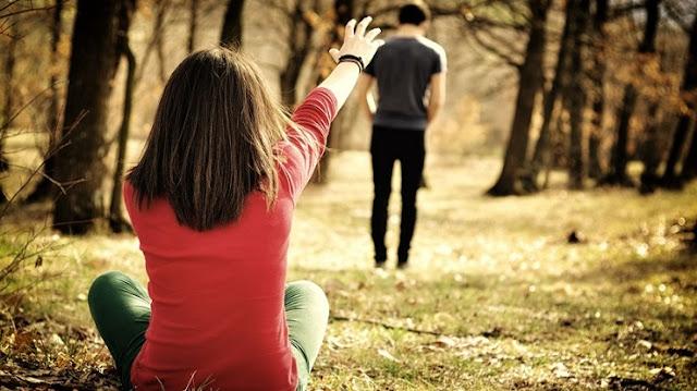 4 Tips Mengalihkan Pikiran Dari Mantan Saat Susah Move On