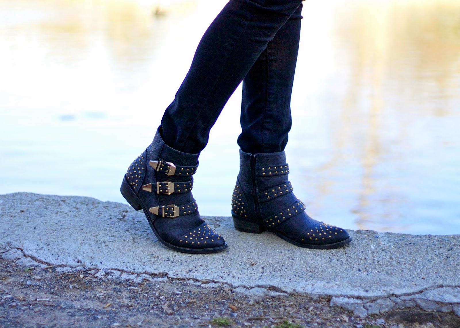 Justfab boots, how to wear studded booties, comfortable boots, justfab blogger, showdazzle blogger, how to wear booties, casual chic outfit