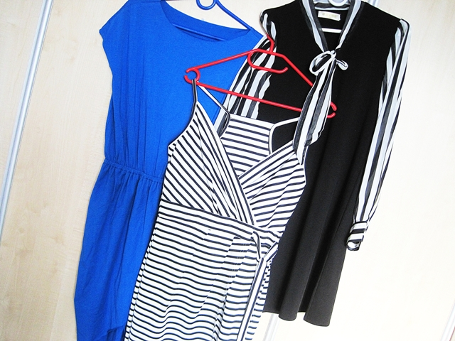 http://www.shein.com/Blue-Crew-Neck-Drawring-Wasit-Wrap-Front-Tulip-Dress-p-269279-cat-1727.html?utm_source=marcelka-fashion.blogspot.com&utm_medium=blogger&url_from=marcelka-fashion