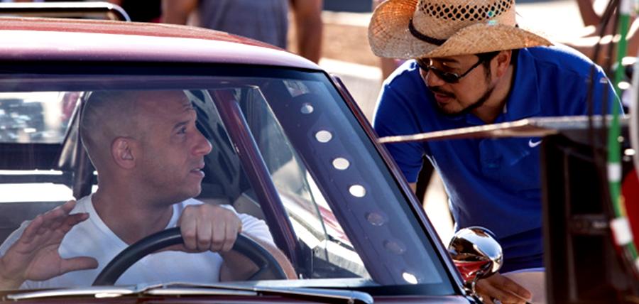 Regizorul Justin Lin şi Vin Diesel pe platourile de filmare pentru Fast And Furious 6