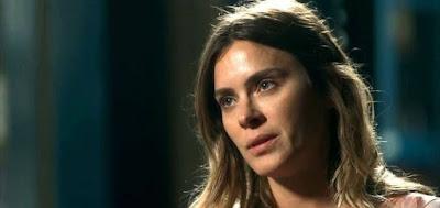 Afrodite (Carolina Dieckmann) em cena da novela das nove da Globo; gestante vai passar mal