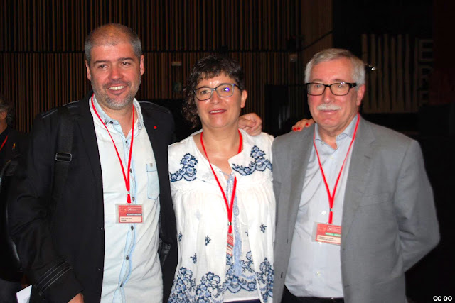 Loli García posa con Unai Sordo y Toxo