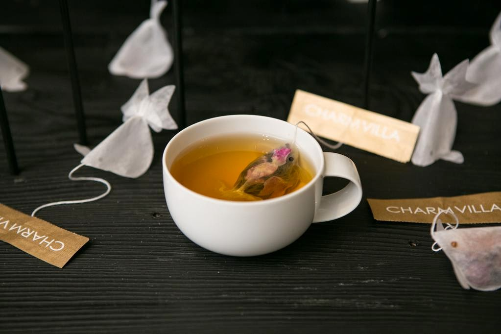 08-Charm-Villa-Take-a-Break-with-a-Goldfish-Tea-Bags-www-designstack-co