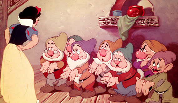 Snow White and dwarfs Snow White and the Seven Dwarfs 1937 animatedfilmreviews.filminspector.com
