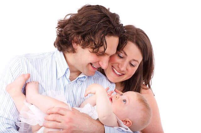 متى يأكل الطفل الرضيع؟ تغذية الطفل.