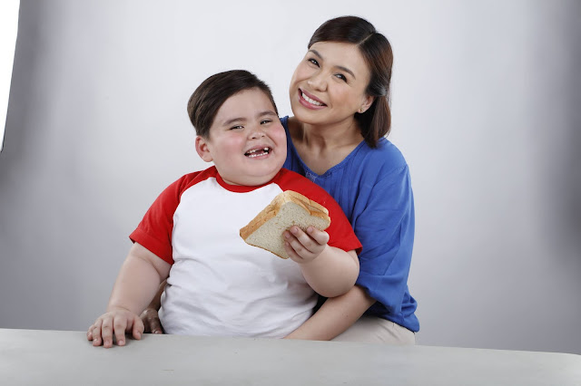 Baste charms his way into our homes in the NeuBake commercial