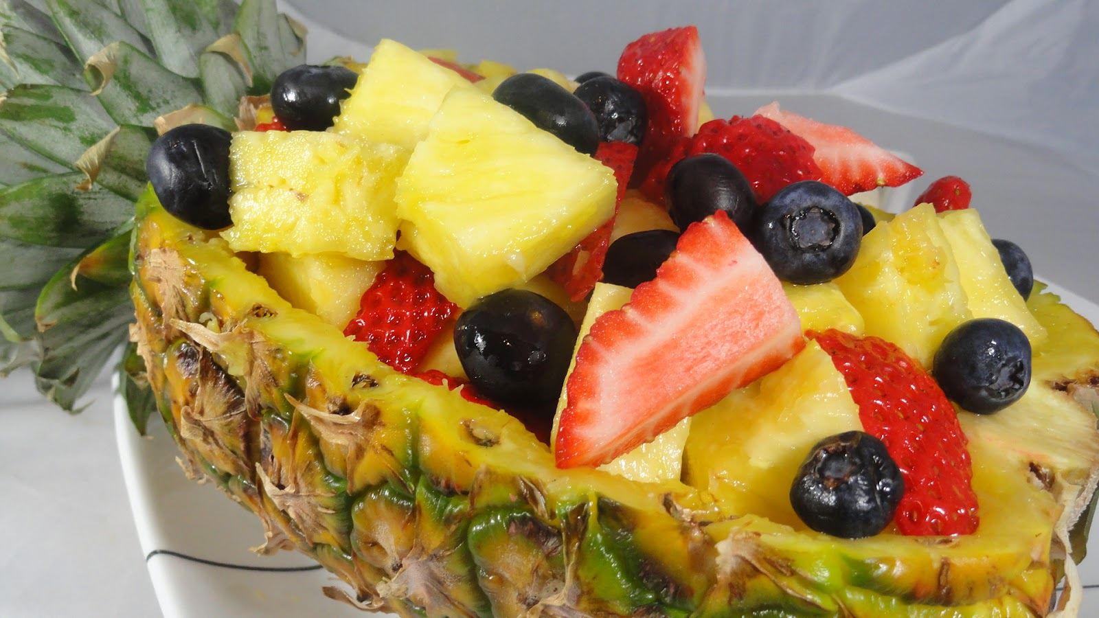 The On Call Cook Pineapple Boat