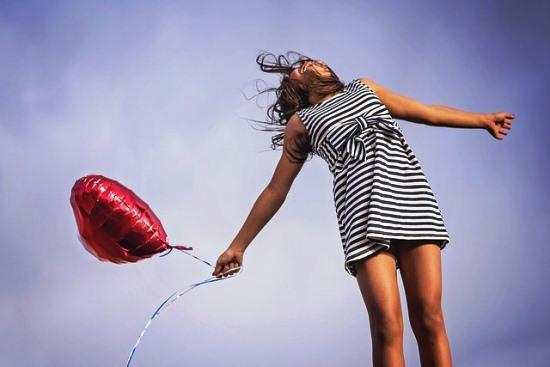 Contoh Cerita Bahasa Inggris tentang Kebahagiaan