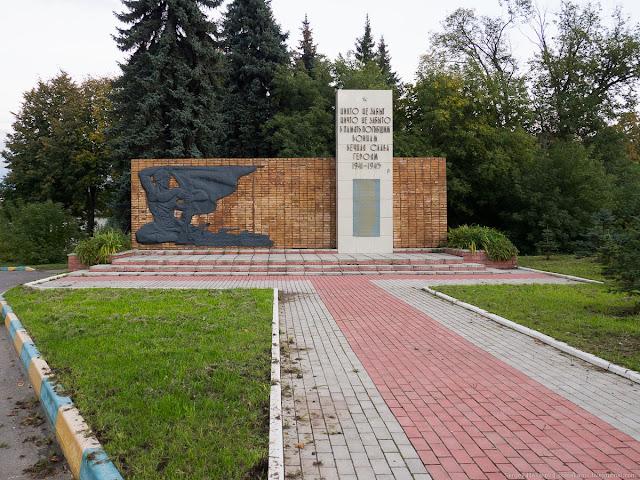 Памятник погибшим воинам в Великой Отечественной войне в д. Вохринка