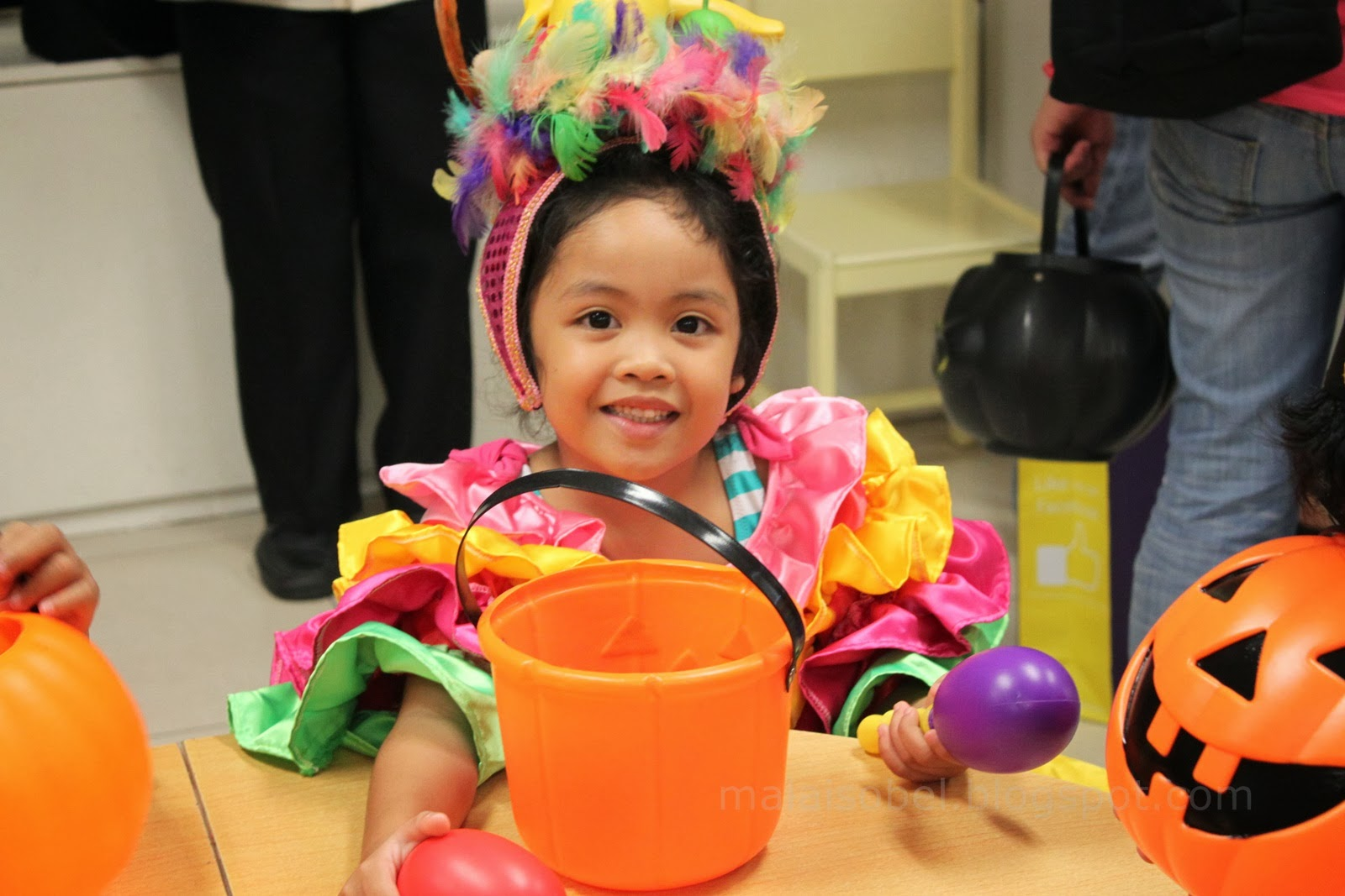 You rocked that Brazilian costume! Our daddy had his share of milestone on this day too. It was the first time he came to school with the kid on his own.  sc 1 st  Chronicles of Maia & Chronicles of Maia: United Nations Day - Winning Best Costume