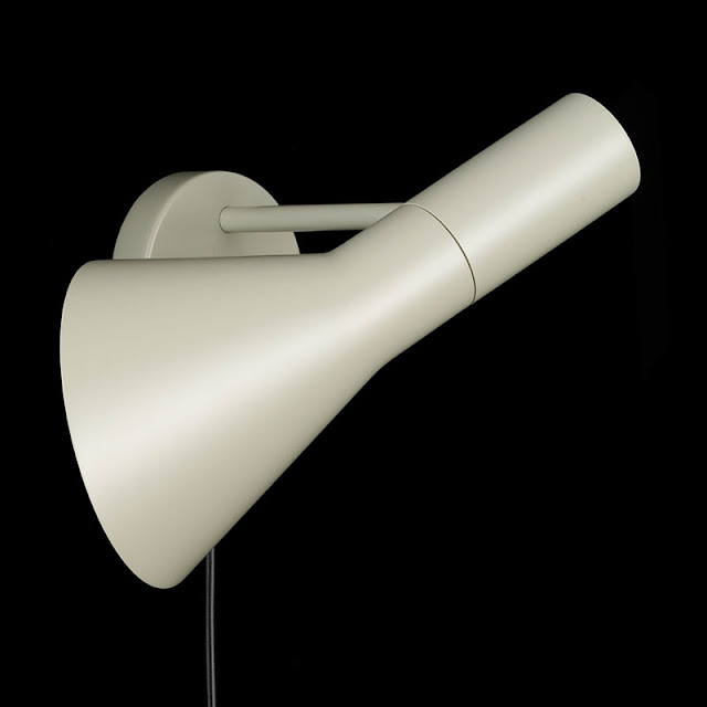 ARNE JACOBSEN ARNE JACOBSEN AJ WALL LAMP - black ...