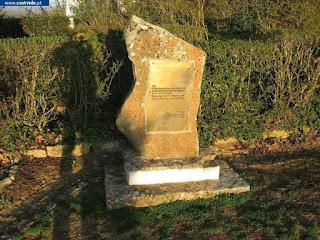 MONUMENTS & STATUES / Penedo Monteiro, Castelo de Vide, Portugal