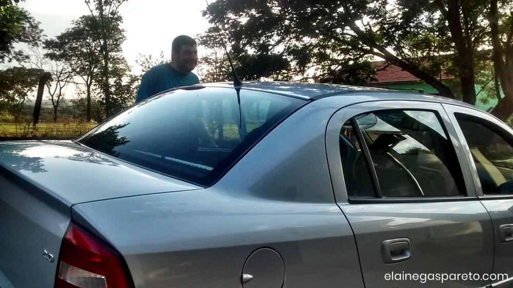 marido e o carro novo