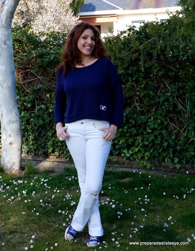 Look blanco y azul