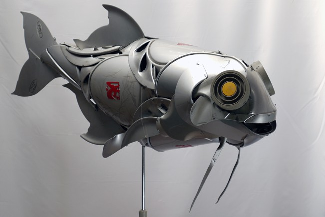 22-Beardfish-Ptolemy-Elrington-Hubcap-Creatures-and-other-Car-Parts-Animal-Sculptures-www-designstack-co