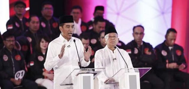Pasangan Capres No 01 Jokowi - Ma'ruf Amin di Acara Debat Pertama Capres-Cawapres 2019
