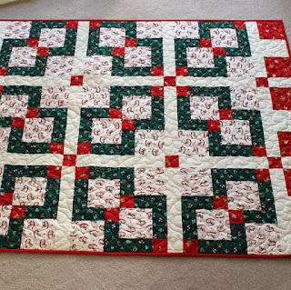 Disappearing-Nine-Patch-Christmas-Kids-Quilt