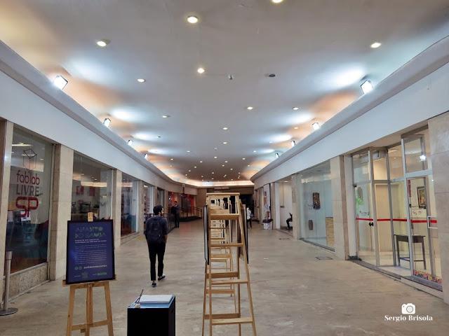 Vista do interior da Galeria Olido - Centro - São Paulo