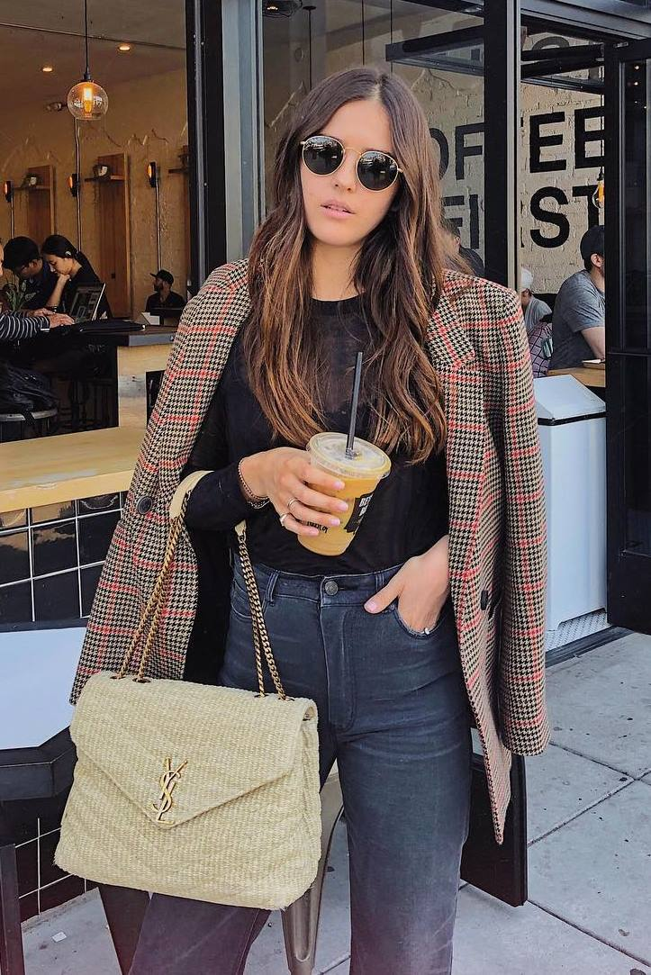 what to wear with a blazer : black v-neck top + skinnies + crossbody bag