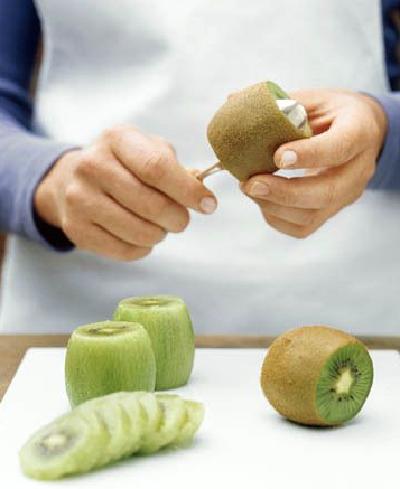 cara makan buah kiwi