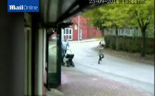 ΣΥΓΚΛΟΝΙΣΤΙΚΟ VIDEO- Μάνα τρέχει να σώσει το παιδί της- Το σκότωσε ο πατέρας