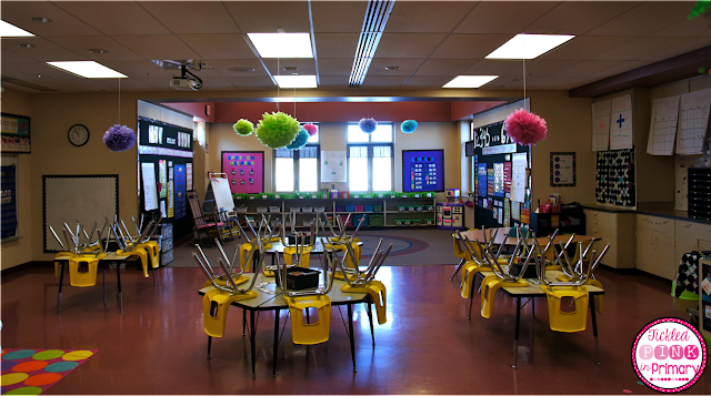 Bright colored classroom decor | Classroom Reveal