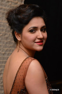 Actress-Sarayu-Stills-at-Nee-Jathaleka-Movie-Audio-Launch