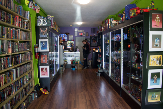 I Knew The Inside Would Be A Nostalgic Treat And In The End I Wasnu0027t  Disappointed! Come Take A Look At This Beautiful Vintage Toy Store With Me!