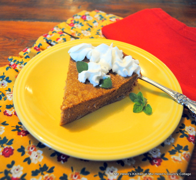 Grandmothers Pumpkin Pie at Miz Helen's Country Cottage