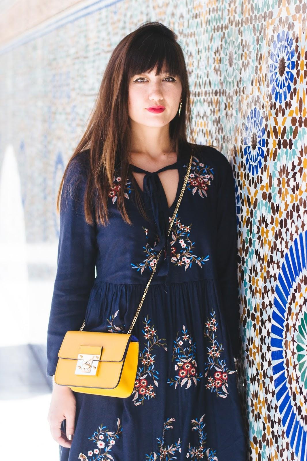 M&S-summer-flowers-dress-blue-sneakers-cute-bag