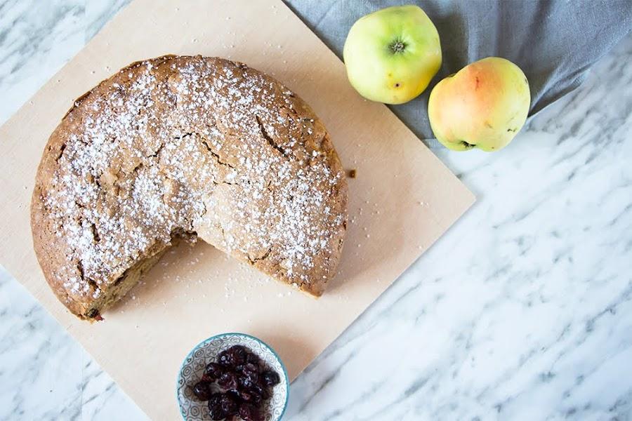 Bizcocho de manzana y arándanos