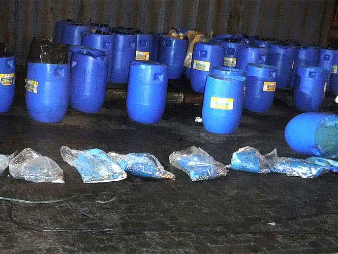 Decomisan mas de 13 toneladas de cocaína en barriles de salsa picante