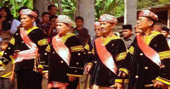Gambar Baju adat Pria Minangkabau