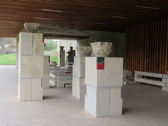 Pequeño museo al aire libre en Volubilis