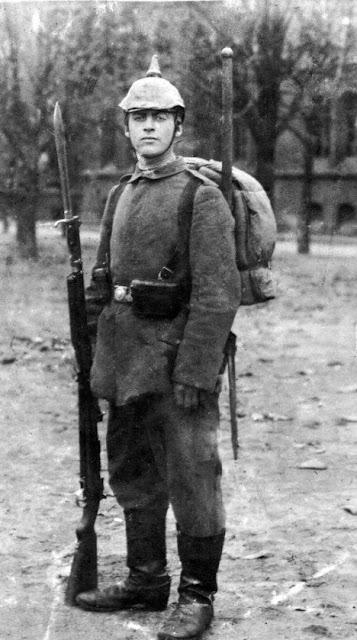 Ремарк був призваний до війська