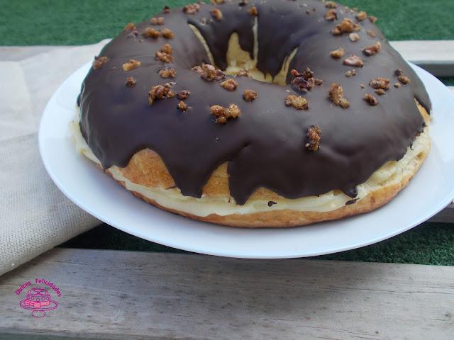 Roscón de Reyes con crema pastelera y chocolate