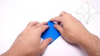 Cách gấp máy bay giấy phong cách Origami 5