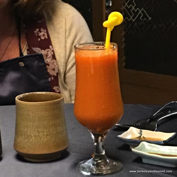 orange juice at Yu Shan Ge in Taipei, Taiwan