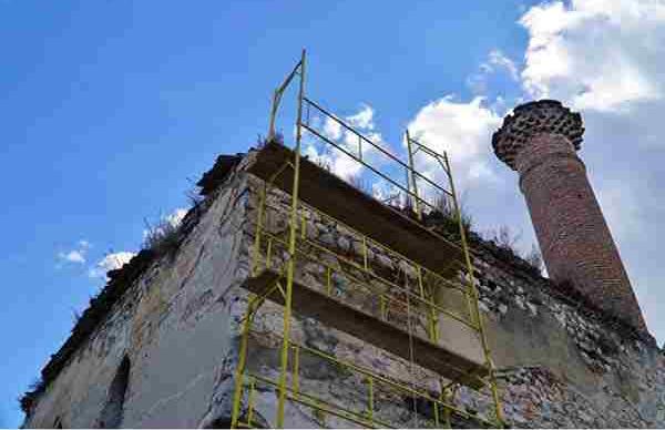 Καστοριά:Ξεκίνησαν εργασίες στην σκεπή του Τζαμί