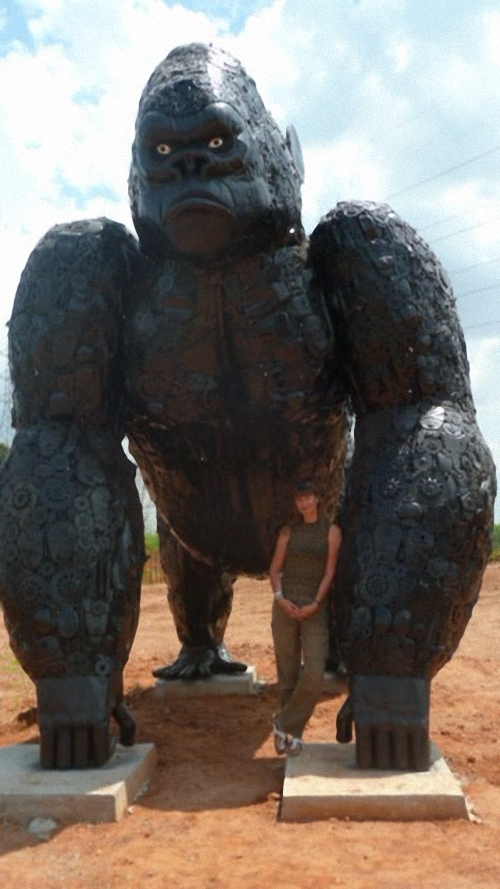 05-Large-Animal-Sculpture-Gorilla-Giganten-Aus-Stahl