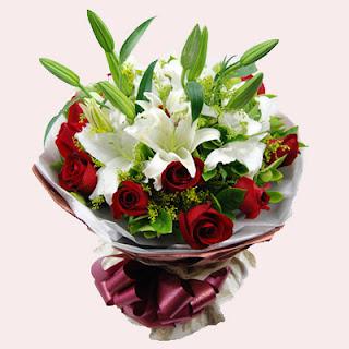 Karangan Bunga Mawar dan Lily
