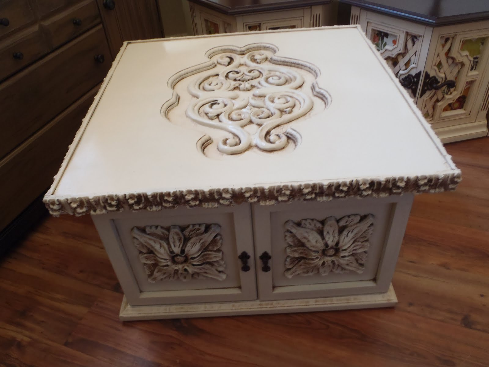 Lost N' Found Furniture: Shabby Chic Coffee Table