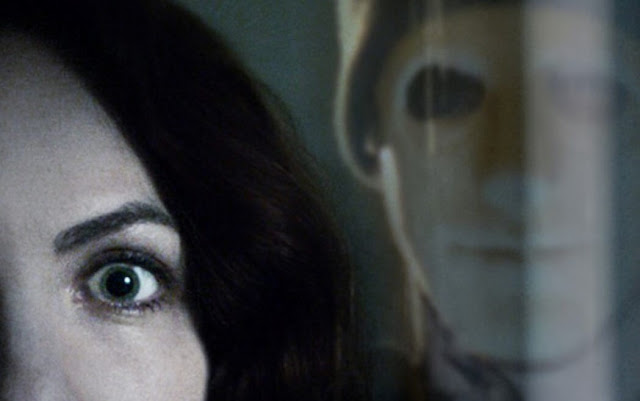 Fragmento del cartel de la película Hush
